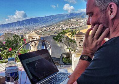 Arbejde med udsigt på Refuga på Tenerife